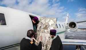 Митрополит Корнилий ради борьбы с коронавирусом облетает границы Архангельской области на самолете