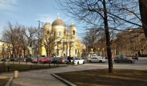 Как живется петербуржцам, не выходя из комнаты