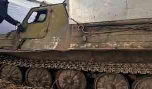 Двое мужчин погибли при переправе через Онегу на гусеничном транспортере-тягаче