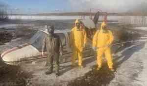 Спасатели эвакуировали больных из деревни Холмогорского района
