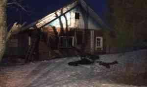 В отдалённом селе Лешуконского района во время пожара погиб мужчина