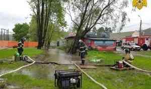В Московской области продолжают ликвидировать последствия комплекса неблагоприятных явлений