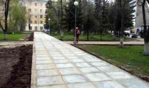 Завершился ремонт тротуаров за кинотеатром «Мир» в Архангельске