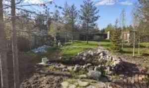 В дачном посёлке под Архангельском в искусственном водоёме утонул двухлетний мальчик
