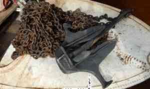 В Котласе поймали мужчину, укравшего корабельный якорь и цепь