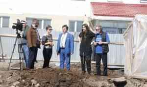 «Новая информация из-под земли»: что будет с остатками монастыря, которые раскопали у Северной Двины