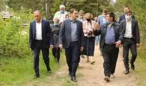 Александр Цыбульский посетил строящиеся объекты впосёлке Хетово