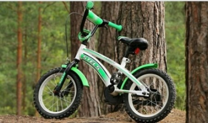 В Котласе автомобилист сбил семилетнюю девочку на велосипеде