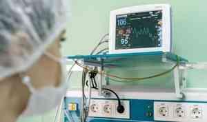 Более 700 пациентов с COVID-19 и пневмонией находятся в больницах Архангельска, Северодвинска и Новодвинска