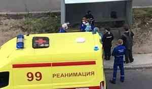 Очевидцы: в Архангельске мать выбросила дочку из окна