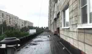 В Архангельске 30-летний мужчина разбился насмерть при падении из окна многоэтажки