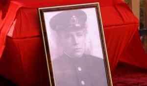 В Котласе прошла церемония перезахоронения останков солдата Советской армии Владимира Зинина