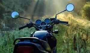 Под Северодвинском лишенный водительских прав пьяный мотоциклист попал в ДТП