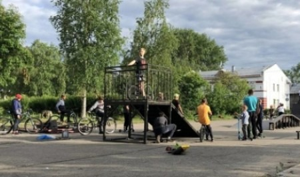 На главной площади Шенкурска появился скейтпарк