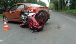 В Архангельске автомобилист не пропустил мотоцикл. Пострадали пилот и его пассажирка