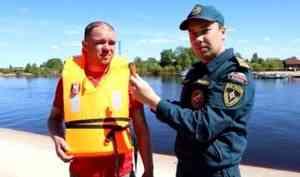 Инспекторы ГИМС МЧС России патрулируют водоемы с участием сельских старост
