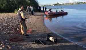 ВАрхангельске водолазам удалось поднять тело утонувшего ребенка
