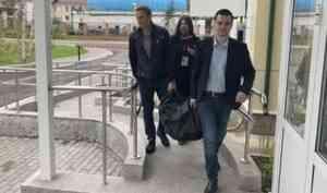 Навальный приехал в Архангельск поддержать в суде активиста-антикоррупционера
