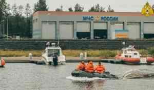 Учения по оказанию помощи на воде прошли в Петрозаводске (видео)