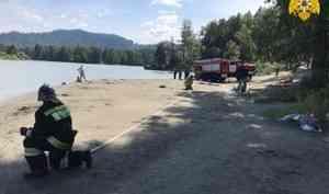 Спасатели Алтайского края обеспечивают безопасность отдыхающих на туристических объектах
