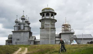 Здесь живут у Белого моря и ходят ночью за морошкой: фото Ворзогор — одного из красивейших сёл страны