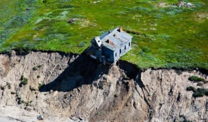 Дома на краю земли: смотрим с высоты на Моржовец — самый северный остров Мезенского района