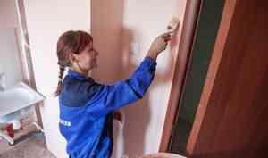 Полы с щелями, не оборудованы туалеты: суд обязал руководство школы № 7 в Коряжме провести ремонт