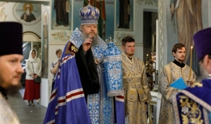 Митрополит Корнилий в праздник Смоленской иконы Божией Матери совершил богослужение в Архангельске