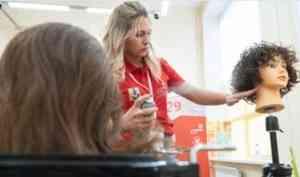 Лучшие парикмахеры Поморья соревнуются за выход в финал чемпионата WorldSkills