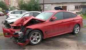 В Архангельске задержана группа мошенников, которые разбивали автомобили ради страховки