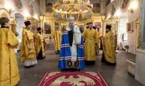 Митрополит Корнилий 12 августа совершил богослужение в Ильинском соборе