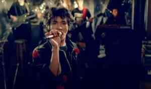 «Требуют наши сердца»: 5 песен Цоя, которые до сих пор поет вся страна