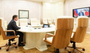 Владимир Путин провел встречу сизбранными 13сентября главами российских регионов. Вней принял участие Александр Цыбульский