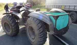 В Шенкурском районе трое на вездеходе попали под грузовик. Один человек погиб