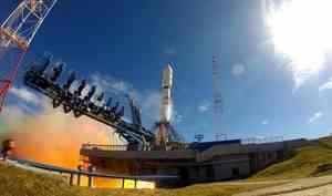 Сегодня скосмодрома «Плесецк» впервые запустили три спутника «Гонец-М» наракете «Союз-2.1б»