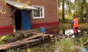 На проспекте Северный в Архангельске — наводнение