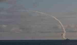 Фрегат «Адмирал Касатонов» испытал ударное вооружение вБелом море
