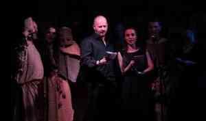 «Вовремена культурных сумерек выжить можно только вместе»: Moon Far Away и«Снеги» устроят концерт впользу клуба «Колесо»