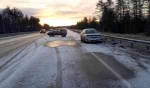 Серия аварий произошла на северодвинской трассе из-за гололедицы