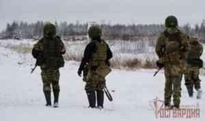 Военнослужащие архангельского отряда Росгвардии «Ратник» завершили обучение в полевых условиях
