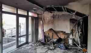 Закурил и вздремнул: пожар в котласском ТРК «Столица» устроил нетрезвый дворник