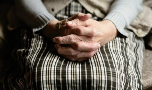 Шайку архангельских псевдо-коммунальщиков уличили в обмане пенсионеров