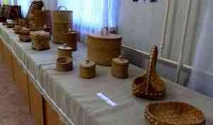 ВУстьянском районе открылась выставка семьи ремесленников Лоскутовых