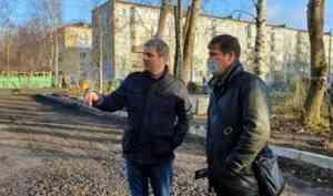 Дмитрий Морев поручил главам округов убрать территории после свода деревьев