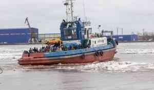 В Архангельске начинают работу маршрутные буксиры