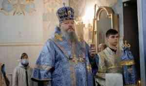 Митрополит Корнилий совершил всенощное бдение в канун праздника святого князя Александра Невского
