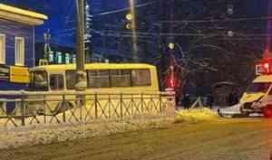 В Архангельске столкнулись рейсовый «ПАЗ» и карета скорой помощи