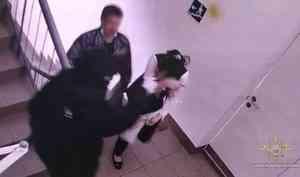ВАрхангельске задержали мужчин, укравших изотделения банка 21 миллион рублей