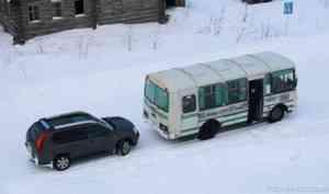 После жалоб жителей в Каргополе решили сохранить прежнее расписание автобуса