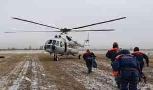 На территории Хакасии проходят ежегодные тренировочные сборы спасателей Сибири по отработке беспарашютного десантирования с вертолета Ми-8
